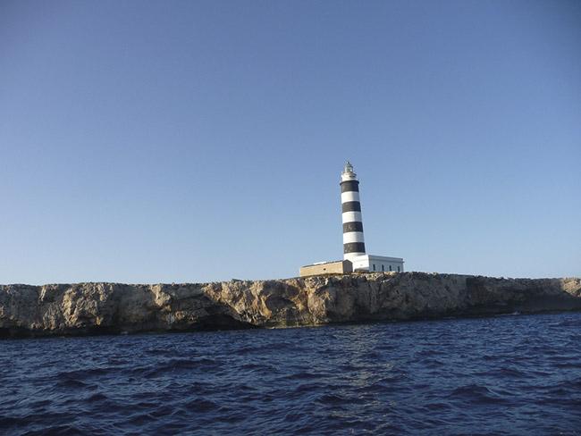 Faro isla del Aire - Villas Etnia